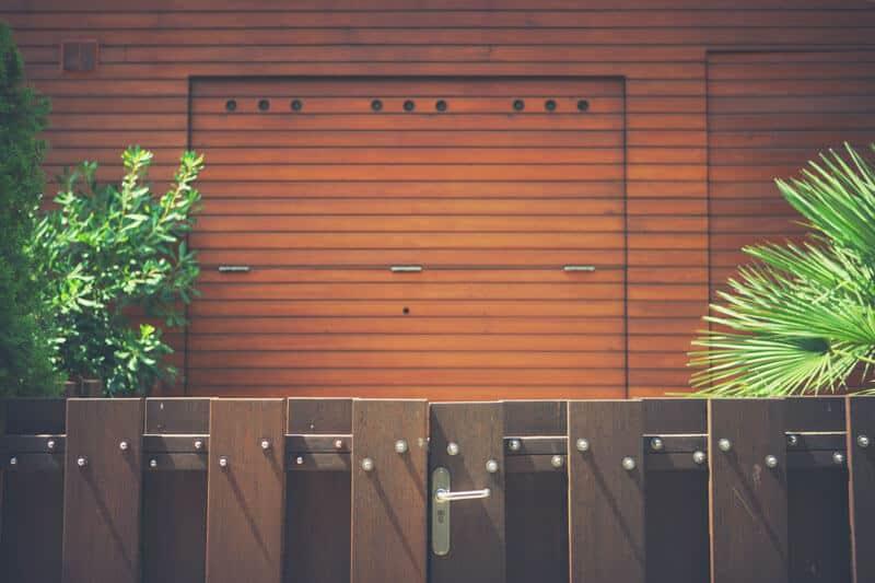 Wann Gartentor streichen?